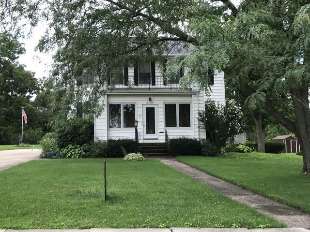 112 N Jackson Street, Morrison, IL 61270 (MLS #09996218) :: The Dena Furlow Team - Keller Williams Realty