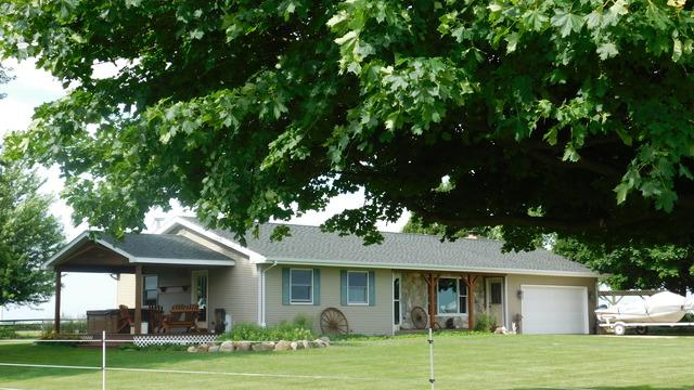 4772 Mcgirr Road, Shabbona, IL 60550 (MLS #09996989) :: The Dena Furlow Team - Keller Williams Realty