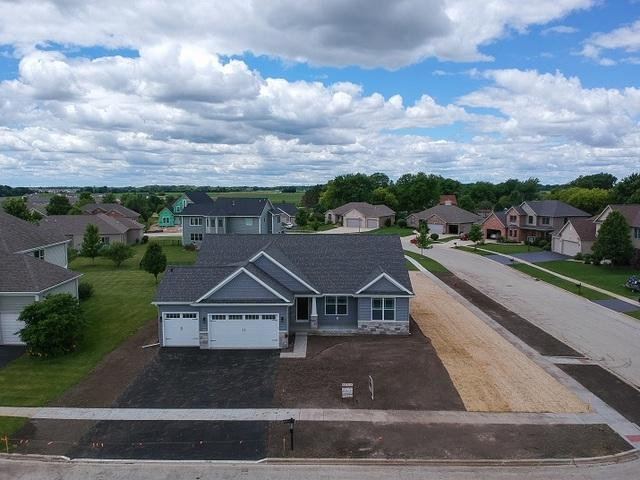 713 Bender Street, Sandwich, IL 60548 (MLS #09997358) :: The Dena Furlow Team - Keller Williams Realty