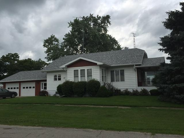 119 S Fourth Street, Cissna Park, IL 60924 (MLS #09999757) :: Ryan Dallas Real Estate