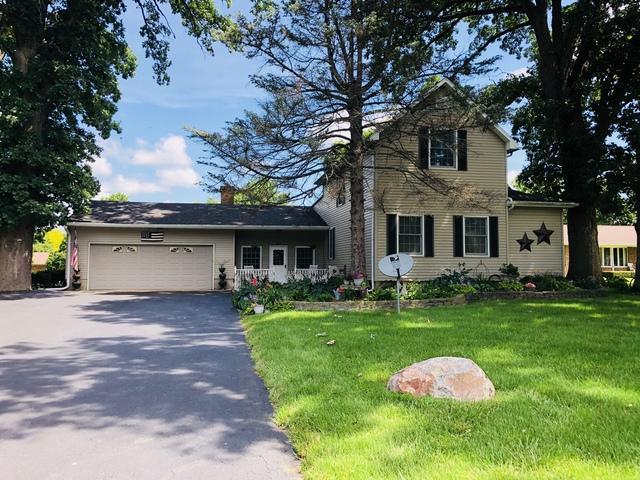 823 E Richardson Street, Farmer City, IL 61842 (MLS #10001169) :: Berkshire Hathaway HomeServices Snyder Real Estate