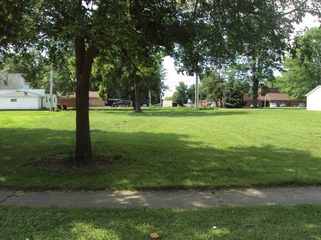 112 E Champaign Avenue - Photo 1