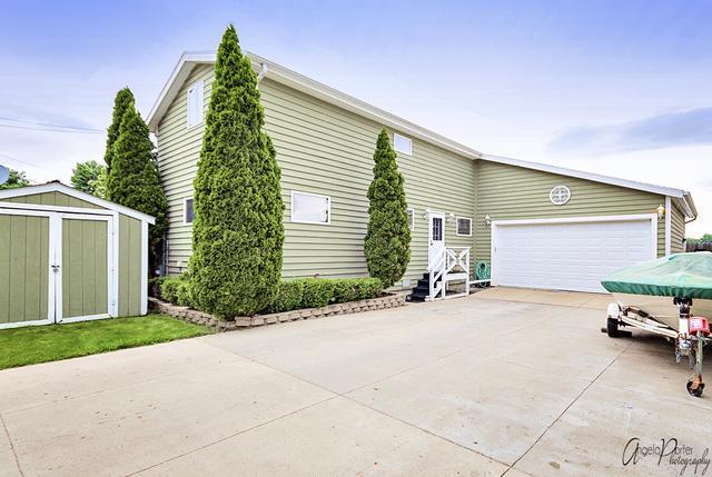 23 Lakeside Lane, Fox Lake, IL 60020 (MLS #10002990) :: The Jacobs Group