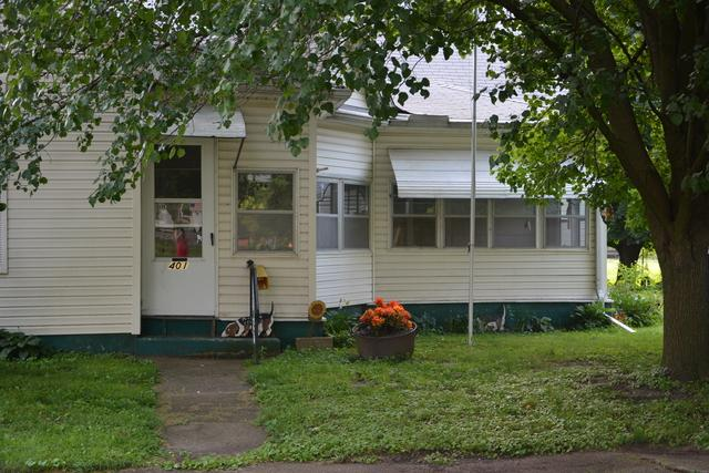 401 N Broadway Street, NEWMAN, IL 61942 (MLS #10005319) :: Berkshire Hathaway HomeServices Snyder Real Estate