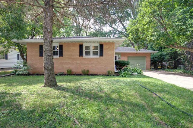 1001 E Sunnycrest Drive, Urbana, IL 61801 (MLS #10006594) :: Ryan Dallas Real Estate