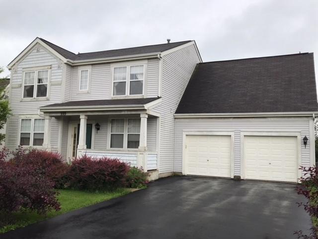 555 W Cambria Drive, Round Lake, IL 60073 (MLS #10007891) :: Helen Oliveri Real Estate