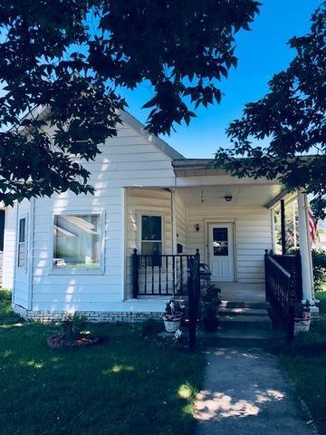 208 Washington Avenue, VILLA GROVE, IL 61956 (MLS #10011235) :: Ryan Dallas Real Estate