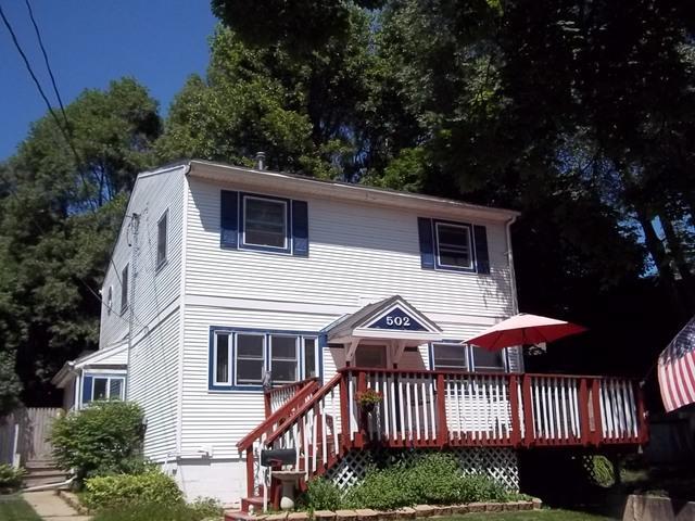 502 Park Court, Fox River Grove, IL 60021 (MLS #10012554) :: Lewke Partners