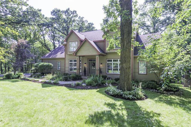 24400 N Echo Lake Road, Hawthorn Woods, IL 60047 (MLS #10015331) :: Helen Oliveri Real Estate