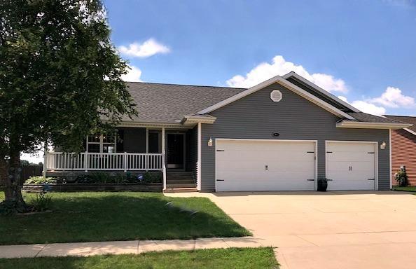 2607 Fieldcrest Drive, Urbana, IL 61802 (MLS #10016652) :: Littlefield Group