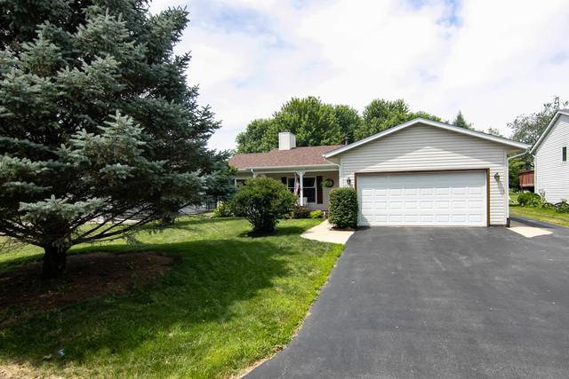 207 Brandywine Drive SE, Poplar Grove, IL 61065 (MLS #10017467) :: Key Realty