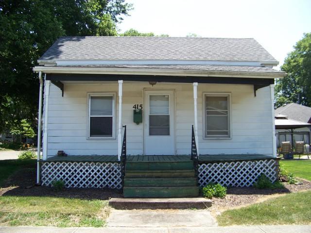 415 E Washington Street E, MONTICELLO, IL 61856 (MLS #10018775) :: Ryan Dallas Real Estate