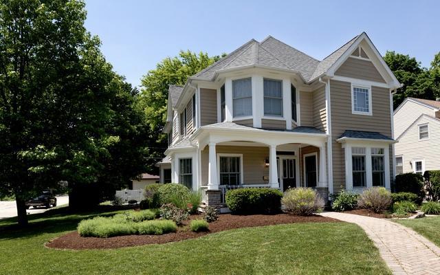 1105 N Main Street, Naperville, IL 60563 (MLS #10018783) :: Ani Real Estate