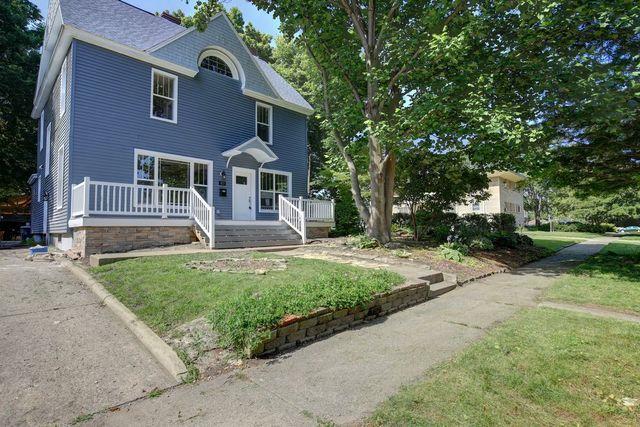807 W Hill Street, Champaign, IL 61820 (MLS #10019492) :: Littlefield Group