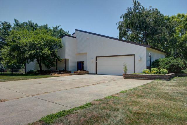 4107 W Kirby Avenue, Champaign, IL 61822 (MLS #10019498) :: Littlefield Group