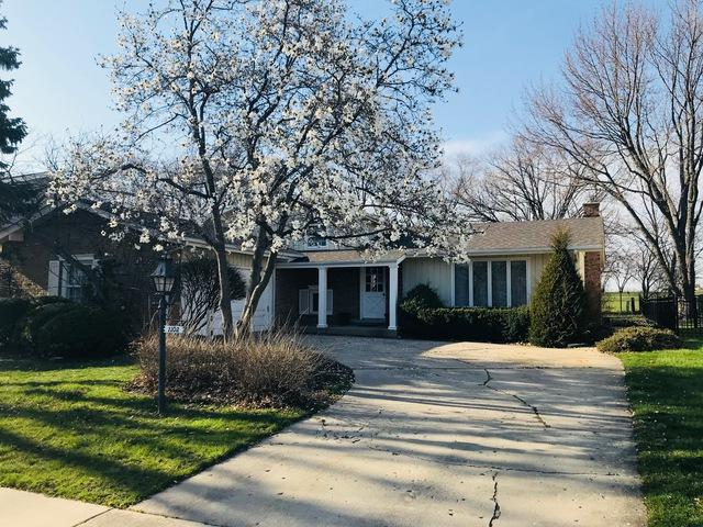 1102 W Cypress Drive, Arlington Heights, IL 60005 (MLS #10019863) :: The Jacobs Group