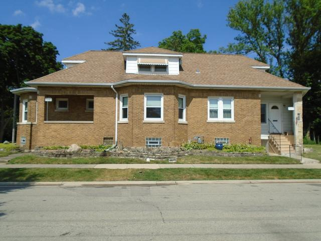 7045 N Franks Avenue, Niles, IL 60714 (MLS #10020346) :: Helen Oliveri Real Estate