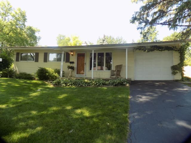 418 Hiawatha Drive, Buffalo Grove, IL 60089 (MLS #10020896) :: Helen Oliveri Real Estate