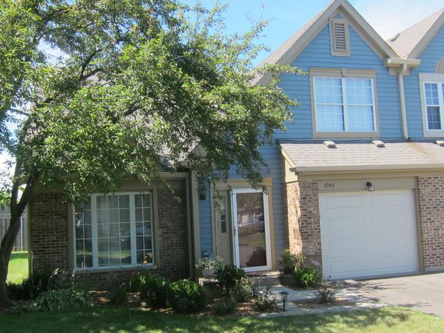 3946 Newport Way, Arlington Heights, IL 60004 (MLS #10020898) :: Helen Oliveri Real Estate