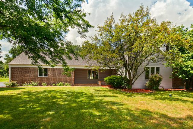 25644 N Arrowhead Drive N, Mundelein, IL 60060 (MLS #10021000) :: Helen Oliveri Real Estate
