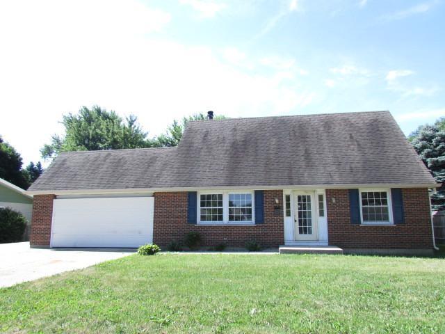 71 Dartmoor Drive, Crystal Lake, IL 60014 (MLS #10021248) :: Lewke Partners
