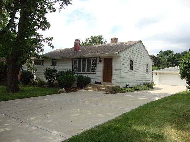 7409 Redwood Street, Crystal Lake, IL 60014 (MLS #10021895) :: Lewke Partners