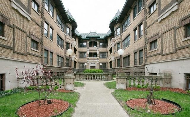947 E Hyde Park Boulevard #2, Chicago, IL 60615 (MLS #10022243) :: Helen Oliveri Real Estate