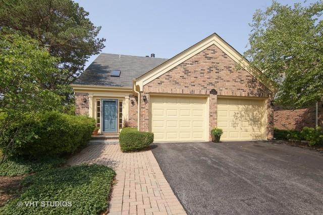 1 The Court Of Cobblestone, Northbrook, IL 60062 (MLS #10022841) :: Littlefield Group