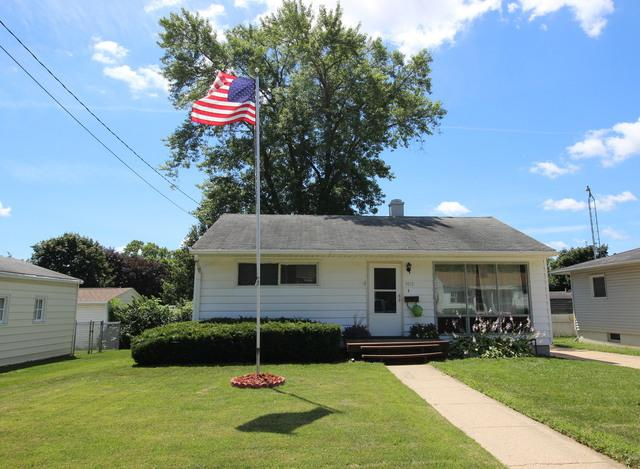 1013 W Langdon Street, Freeport, IL 61032 (MLS #10022881) :: Key Realty