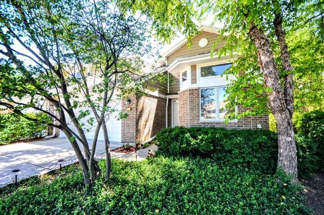 30 Woodstone Court, Buffalo Grove, IL 60089 (MLS #10023064) :: The Jacobs Group