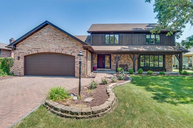 8413 S Park Avenue, Burr Ridge, IL 60527 (MLS #10023242) :: Leigh Marcus | @properties