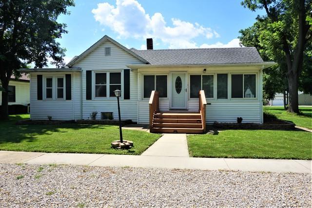 606 N Court Street, Tuscola, IL 61953 (MLS #10023299) :: Littlefield Group