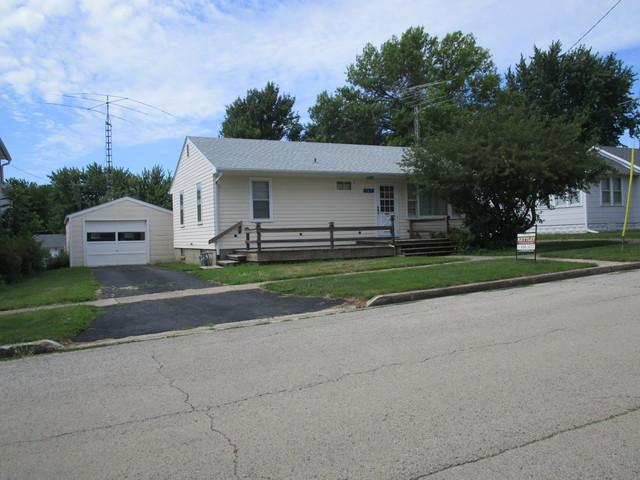 107 E Cherokee Avenue, Shabbona, IL 60550 (MLS #10023985) :: The Dena Furlow Team - Keller Williams Realty
