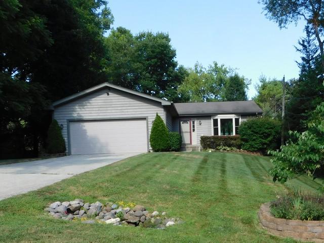 183 Iona Terrace, Algonquin, IL 60102 (MLS #10025426) :: Lewke Partners