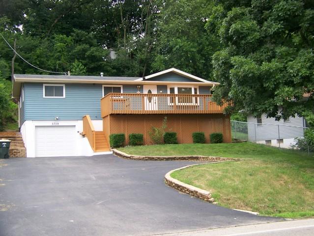 5709 Fox Lake Road, Mchenry, IL 60051 (MLS #10025987) :: Lewke Partners