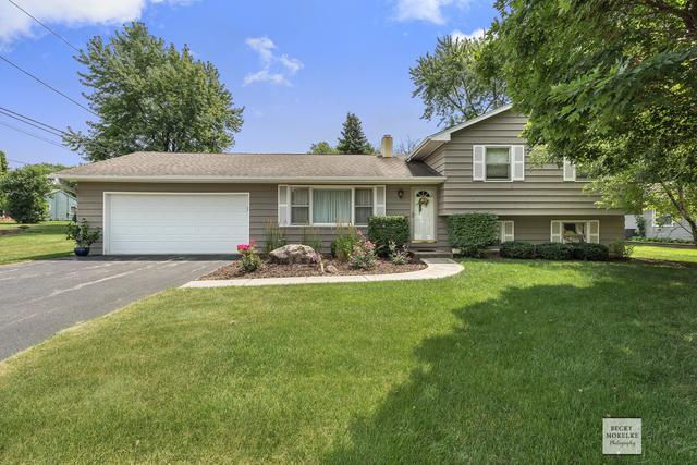 50 Ashlawn Avenue, Oswego, IL 60543 (MLS #10026028) :: The Dena Furlow Team - Keller Williams Realty