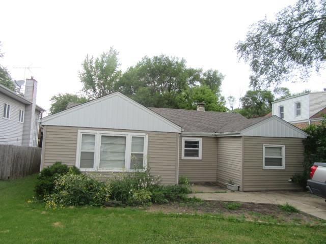 111 E Red Oak Avenue, Bensenville, IL 60106 (MLS #10030845) :: Domain Realty