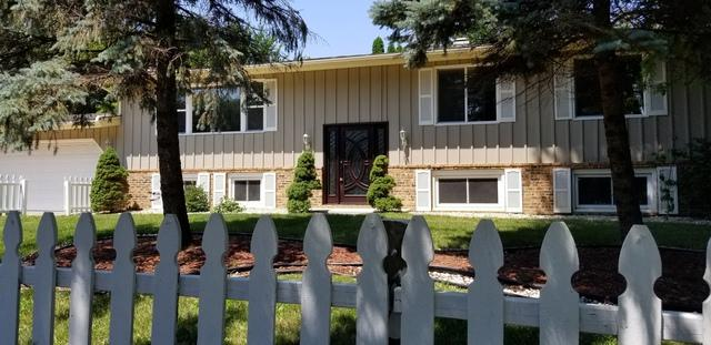 1001 Quassey Avenue, Lake Bluff, IL 60044 (MLS #10031043) :: Lewke Partners