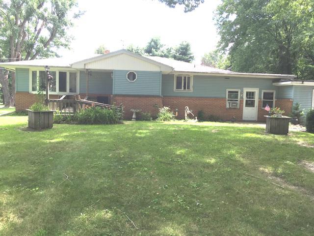 115 Northwestern Street, Spring Valley, IL 61362 (MLS #10033346) :: Littlefield Group