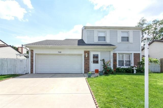744 Berwick Place, Roselle, IL 60172 (MLS #10033862) :: Domain Realty