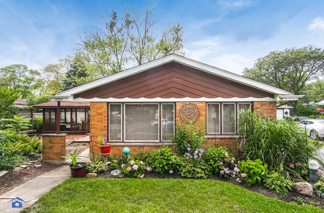 18360 Center Avenue, Homewood, IL 60430 (MLS #10035150) :: The Wexler Group at Keller Williams Preferred Realty