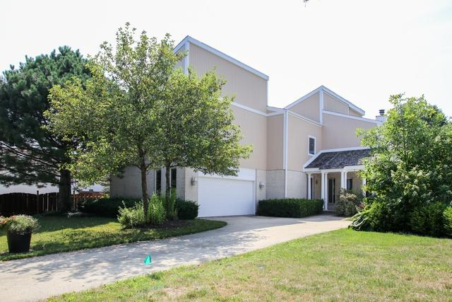 5701 Silentbrook Lane, Rolling Meadows, IL 60008 (MLS #10035960) :: Helen Oliveri Real Estate