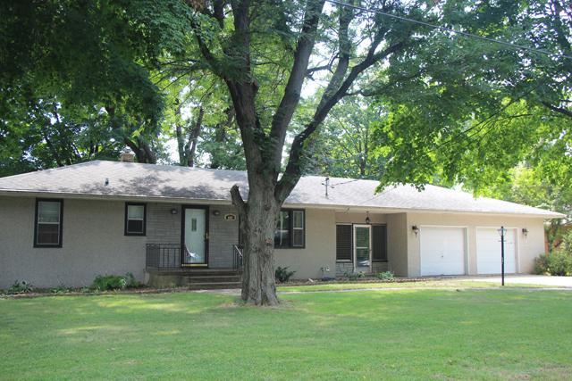 405 Prairie Street, Spring Valley, IL 61362 (MLS #10036105) :: Littlefield Group