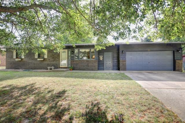 200 Quail Hill Road, MONTICELLO, IL 61856 (MLS #10036290) :: Ryan Dallas Real Estate