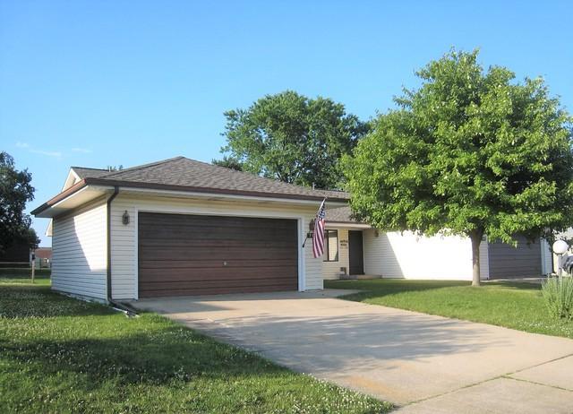 707 Higgins Road, Champaign, IL 61822 (MLS #10036767) :: Ryan Dallas Real Estate