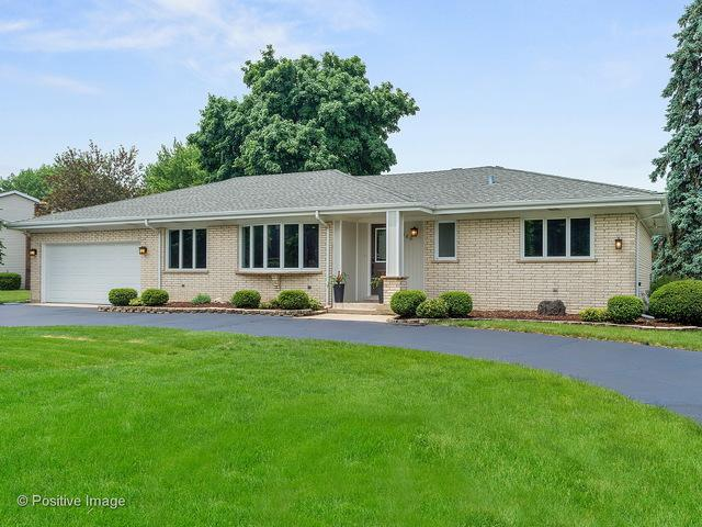 380 Cardinal Drive, Bloomingdale, IL 60108 (MLS #10039356) :: Littlefield Group