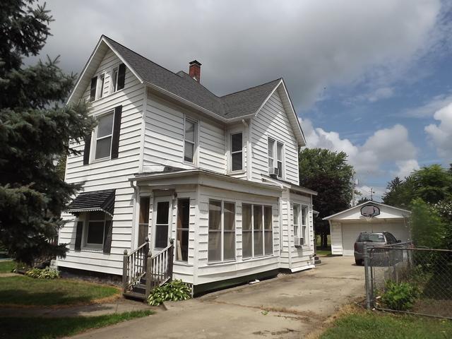 114 W Ash Street, Watseka, IL 60970 (MLS #10039813) :: Littlefield Group