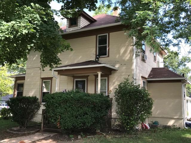 304 N Grove Street, Carpentersville, IL 60110 (MLS #10040430) :: Leigh Marcus | @properties