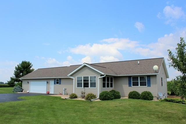 12522 Sand Road, Fulton, IL 61252 (MLS #10040514) :: Lewke Partners