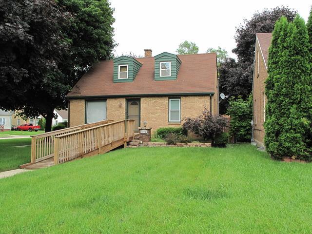 1115 N Berwick Boulevard, Waukegan, IL 60085 (MLS #10040852) :: Berkshire Hathaway HomeServices Snyder Real Estate